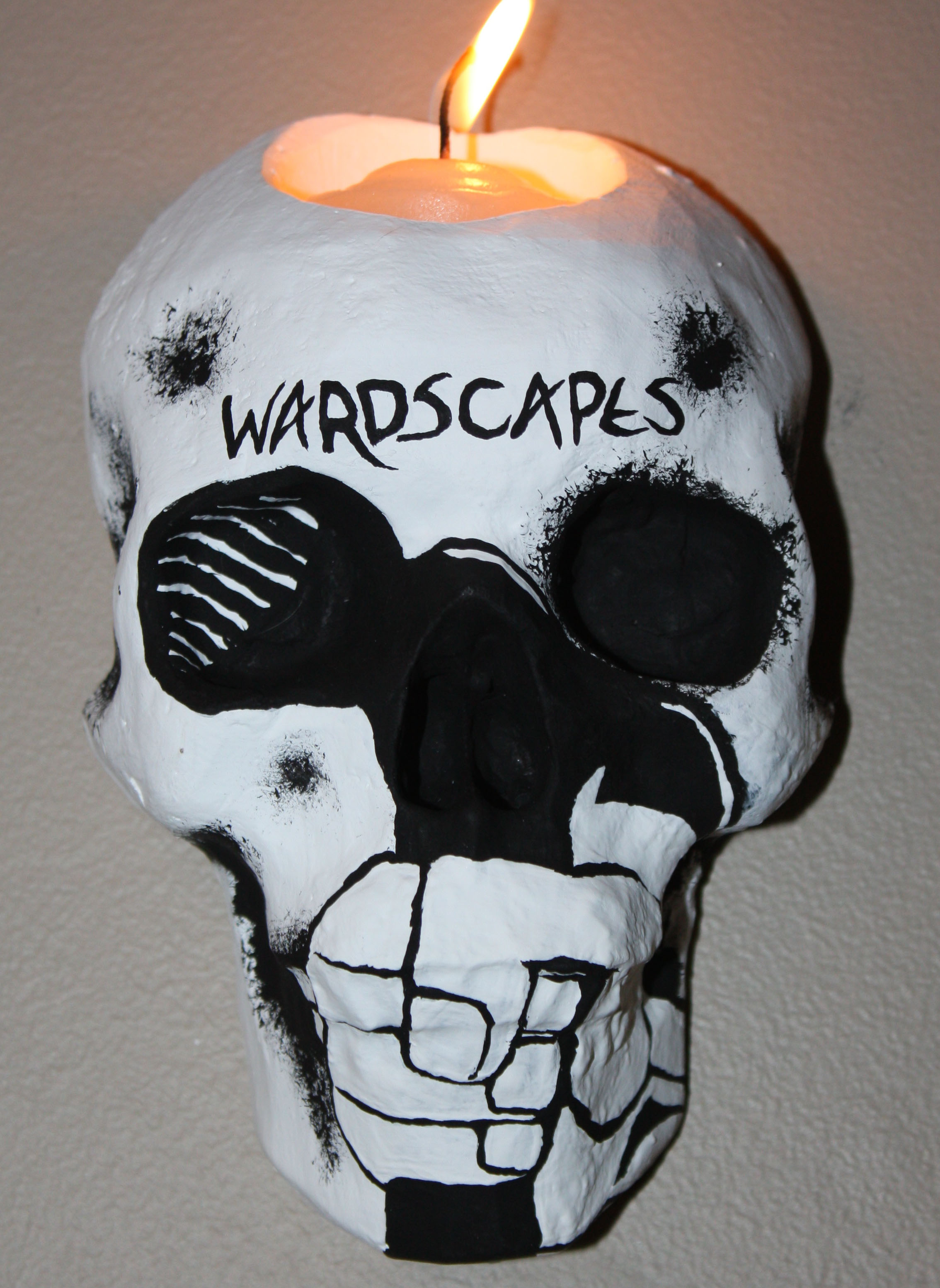 Wardscapes Business Skull Sconce